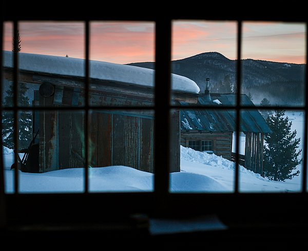 sunset-at-outdoor-destination-burgdorf hotsprings-in-winter-near-mccall-idaho