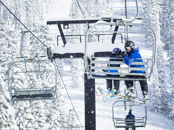 powder skiing at brundage mountain in mccall idaho