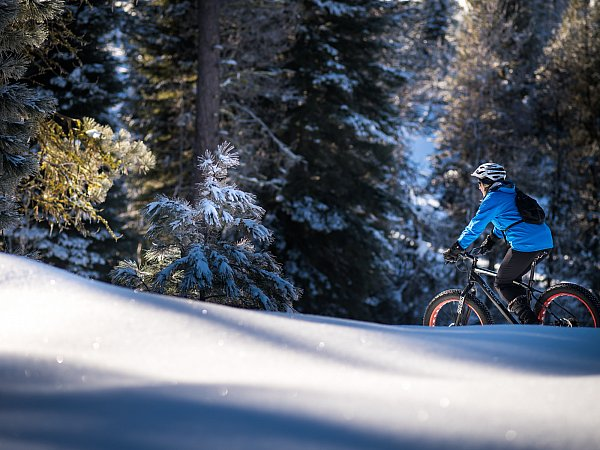 fat tire biking at jug mountain ranch